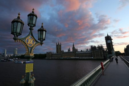 MPs back UK immigration bill but accuse government of hypocrisy
